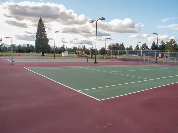 Tennis courts in Fichtner-Mainwaring Park